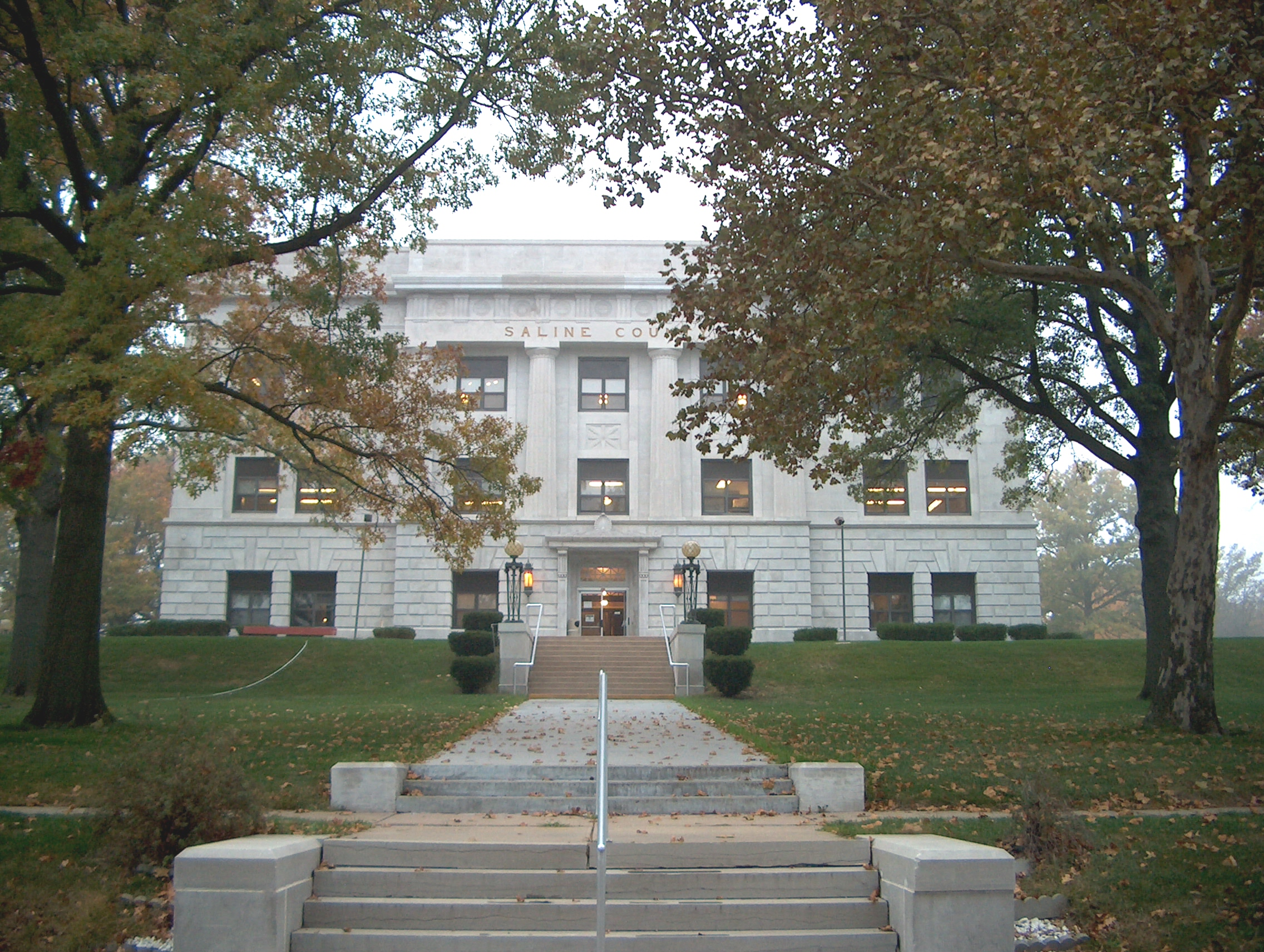 Saline County Courthouse,